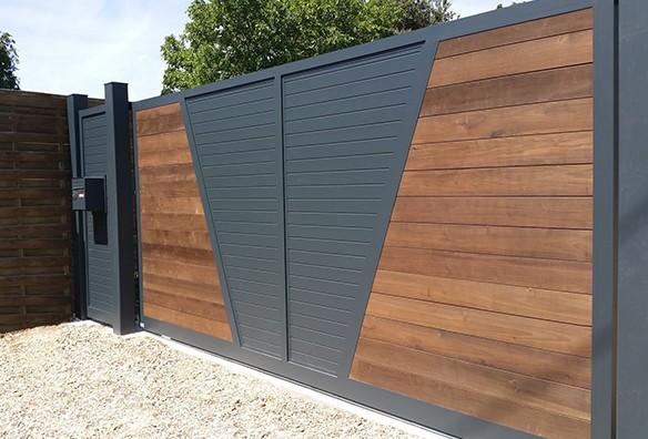 Photo portail nature bandes horizontales noir