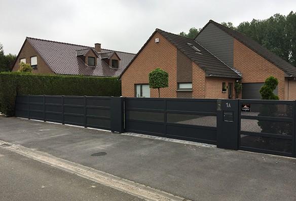 Photo portail semi-ajouré noir