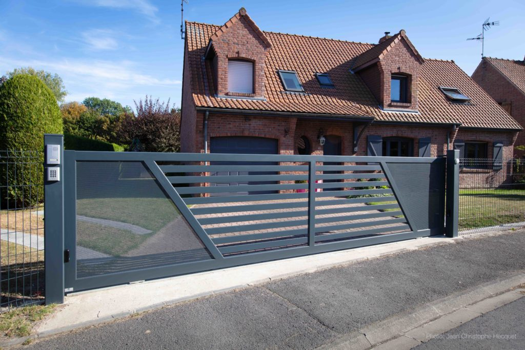 PORTAIL ALUMINIUM CREATION BERNAY SPECIAL COULISSANT